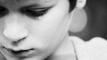 28002-tears
