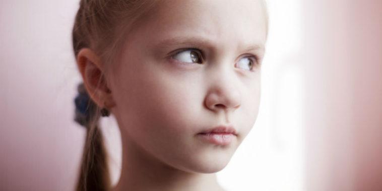 Αποτέλεσμα εικόνας για παιδι που κοροιδευει